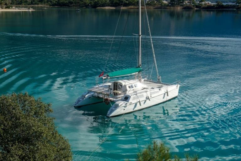 What are the Best Single-Handed Sailboats and Catamarans_Where you make