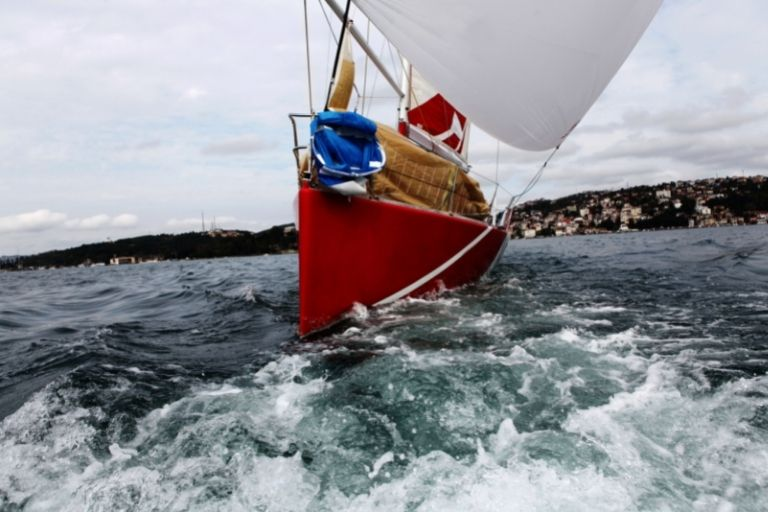 What are the Best Single-Handed Sailboats and Catamarans_Where you make it